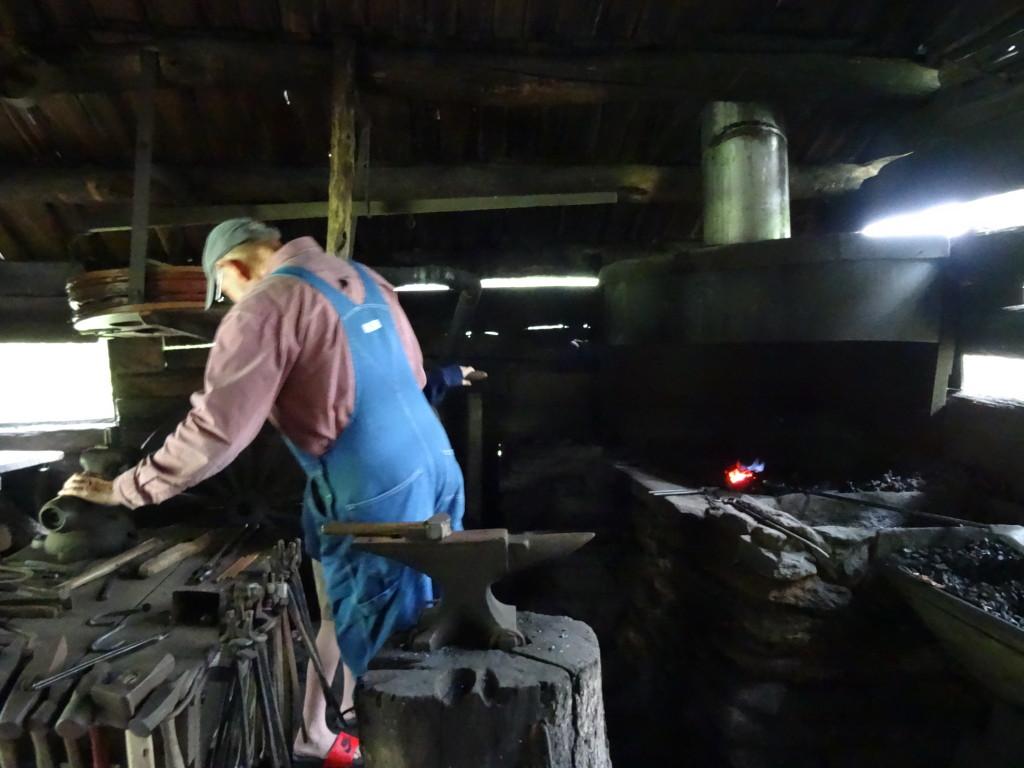Blacksmith shed, Mabry Mill, Blue Ridge Parkway I Western Sakiori