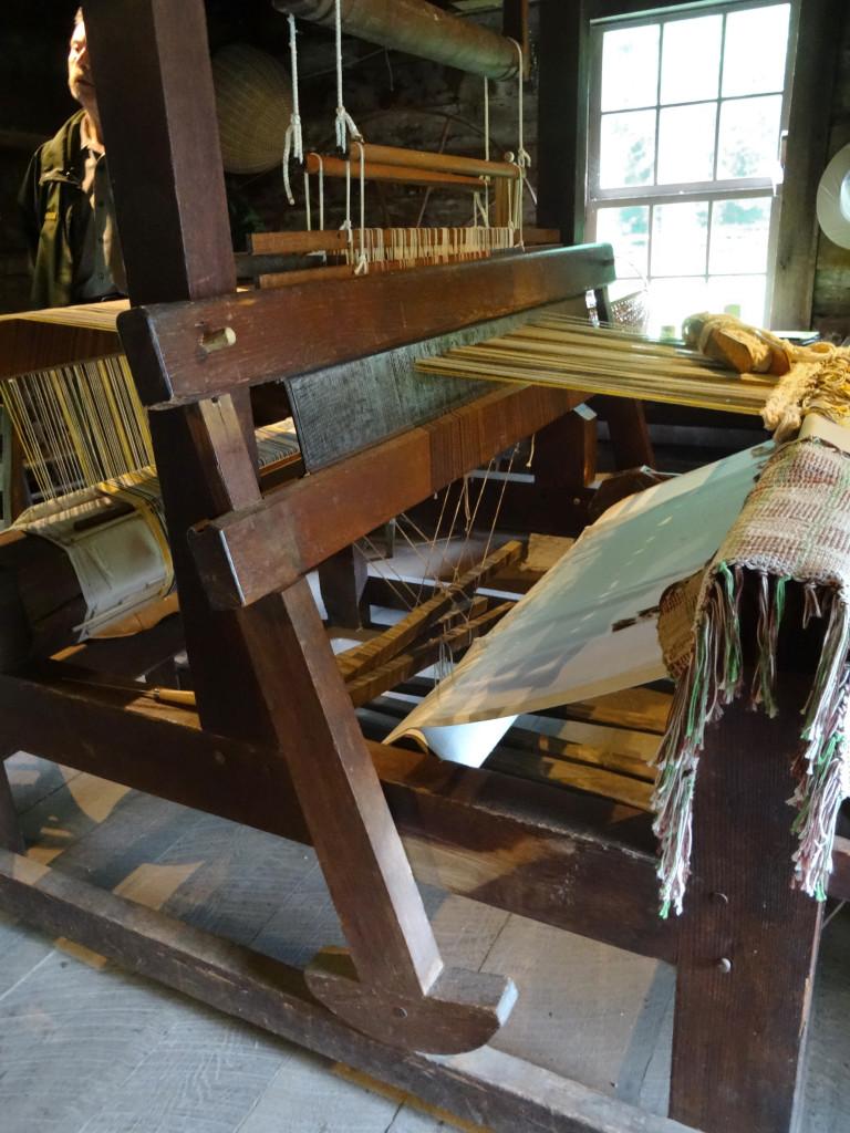 Weaving loom, Matthews cabin, Mabry Mill I Western Sakiori