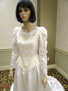 Sonja Wahl, wedding dress l Western Sakiori